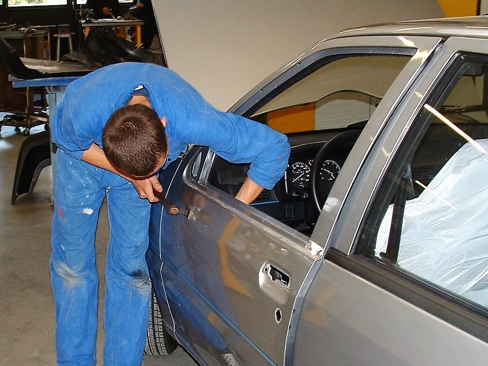 Réparation carrosserie redressage